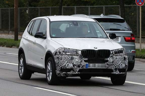 Facelifted BMW X3test prototype side-front view_no_copyright