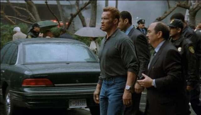 Легенда полиции икино Ford Crown Victoria уходит напокой— фото 792801
