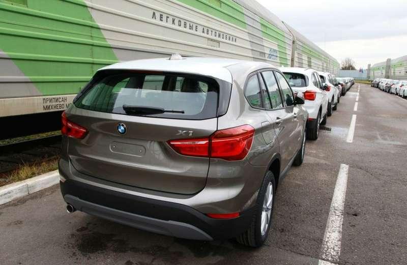 Наконвейер «Автотора» встал BMW X1