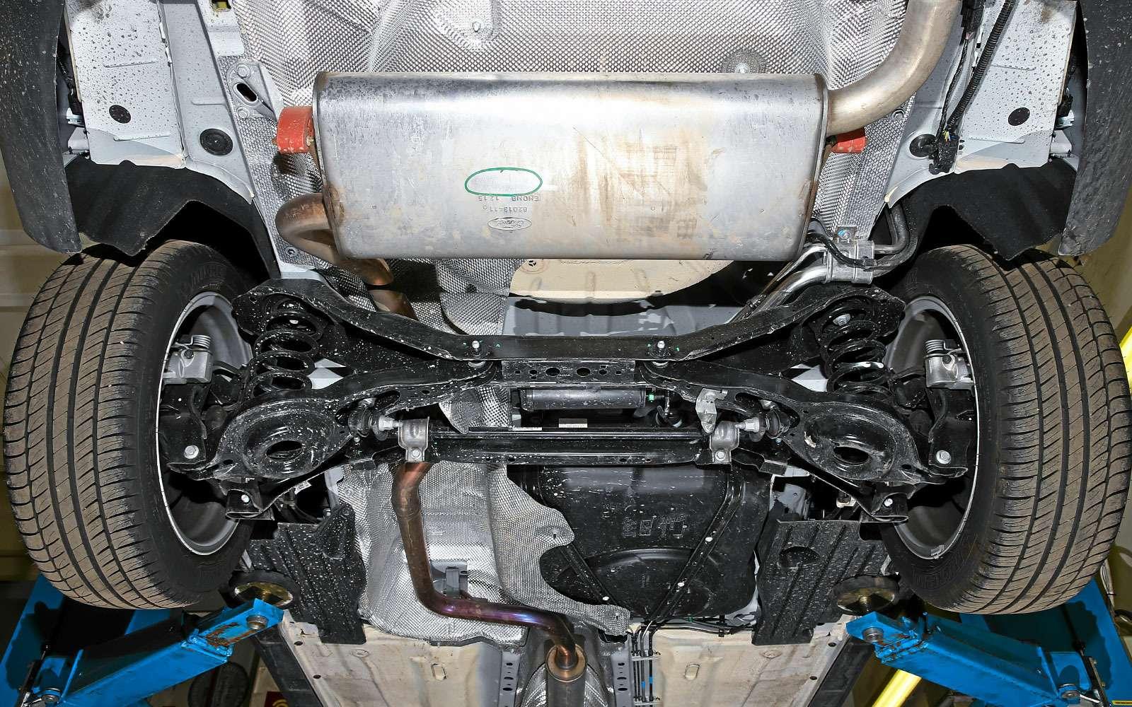 Задняя многорычажная подвеска Ford Focus
