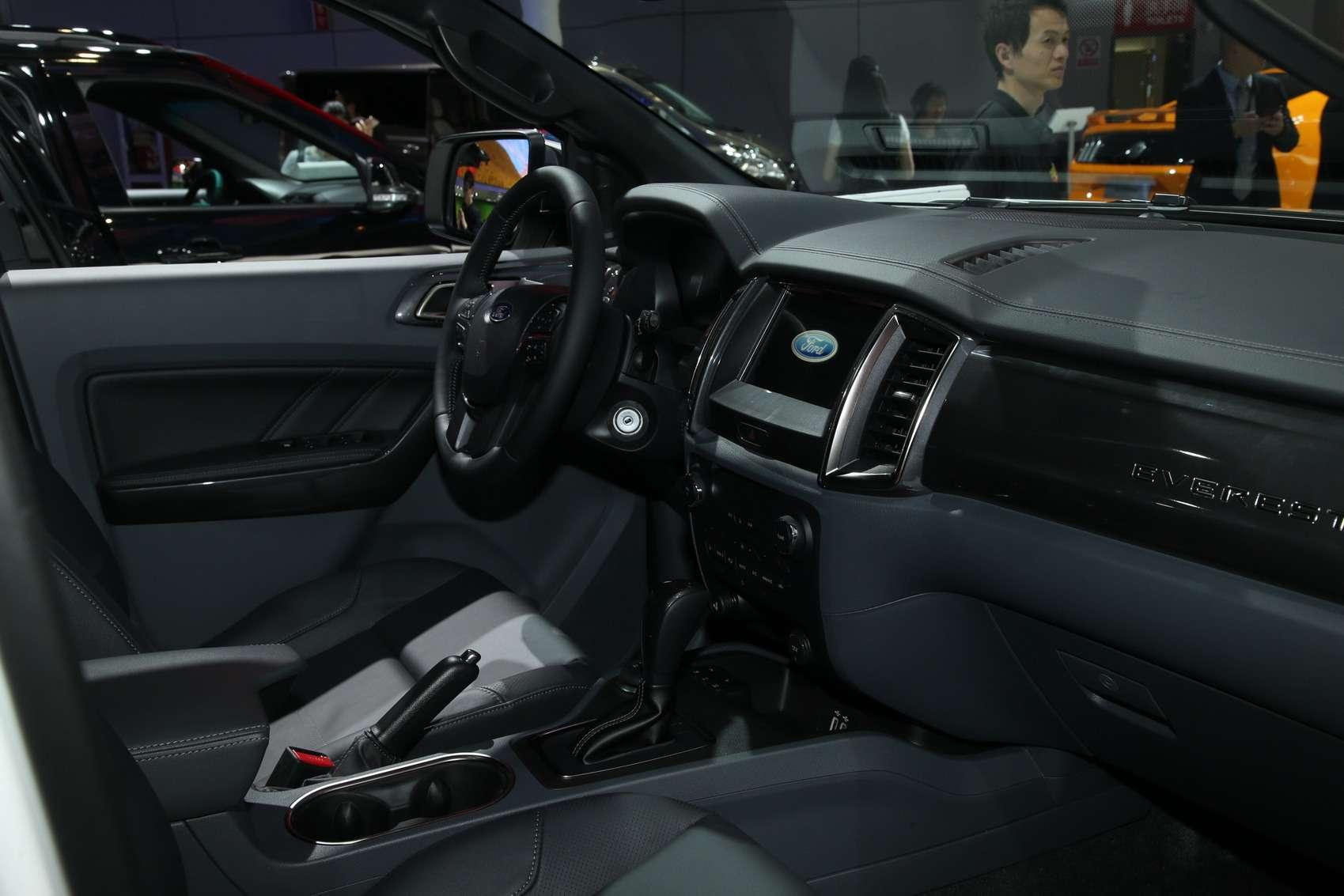 Новый Tiggo 5, будущая Camry идругие: онлайн-трансляция сШанхайского автосалона— фото 741470