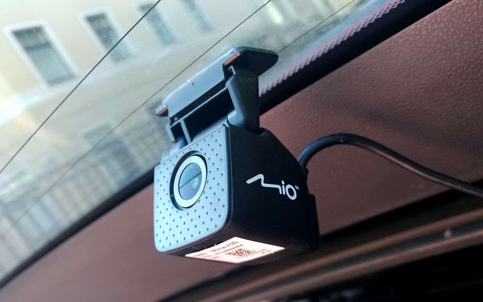 Видеорегистратор вместо камеры заднего вида— эксперимент ЗР— фото 904973