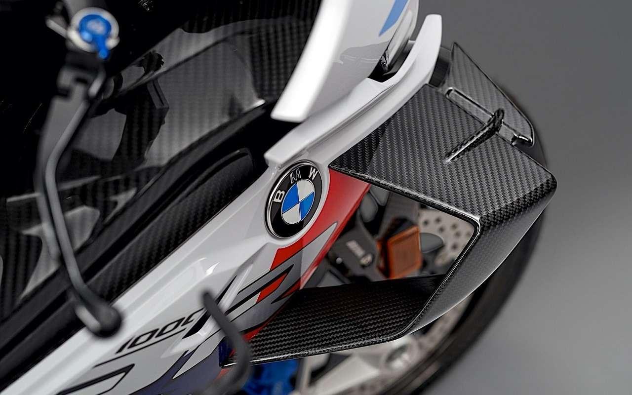 BMWпоказала 212-сильный супербайк BMW M1000RR— фото 1171130