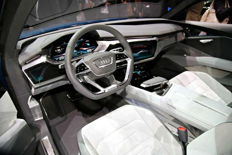 Audi-e-tron-quatro_Kadakov_3