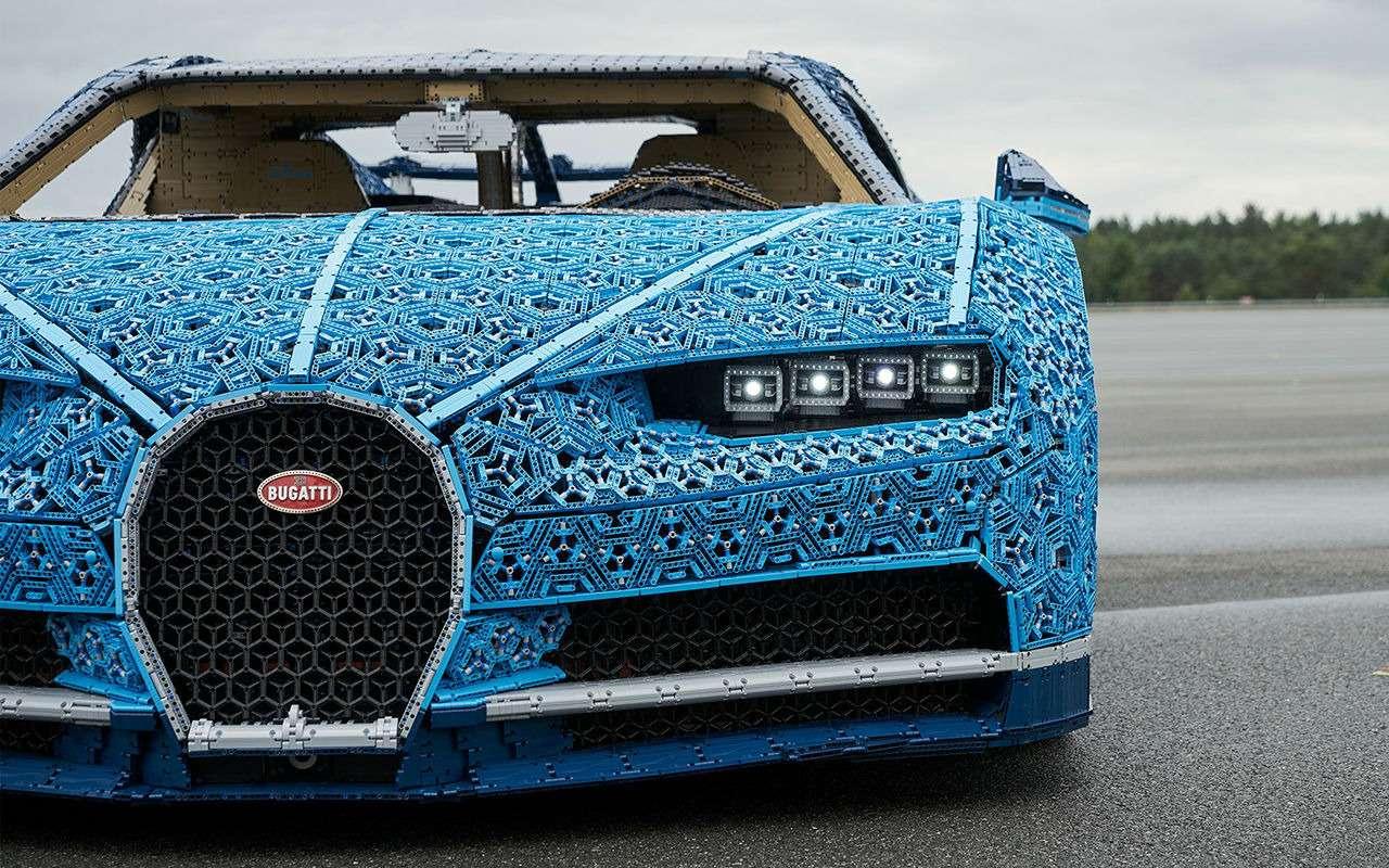 Bugatti Chiron изLego— успейте посмотреть вПарке Горького— фото 987701