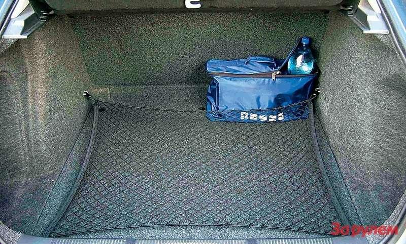 590-литровый багажник согромным зевом— одно изглавных достоинств «Октавии».