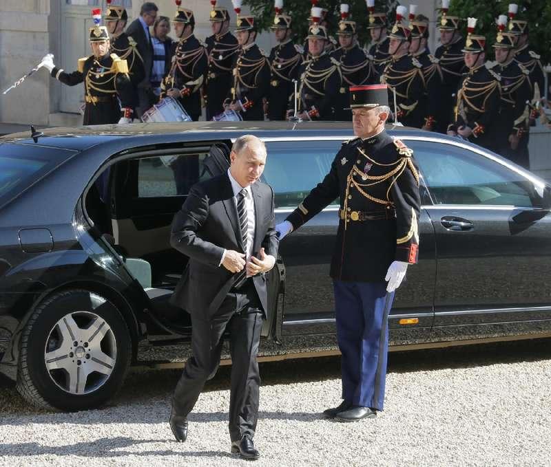 Four leaders arrive inParis for Ukraine peace talks
