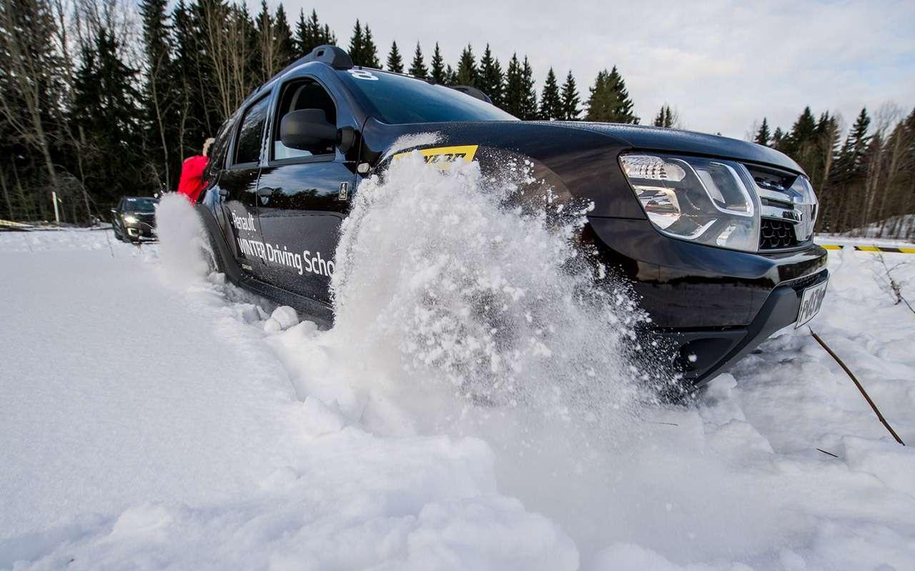 Карельский дрифт: кроссоверы Renault нальду Ладожского озера— фото 856378