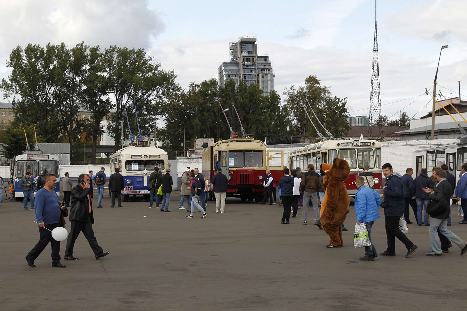 Автобусы нашего детства— выставка пассажирского транспорта— фото 792729