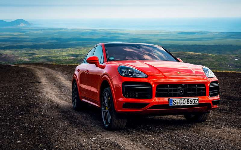 Нановом Porsche навулкан Козельский: доехали досередины