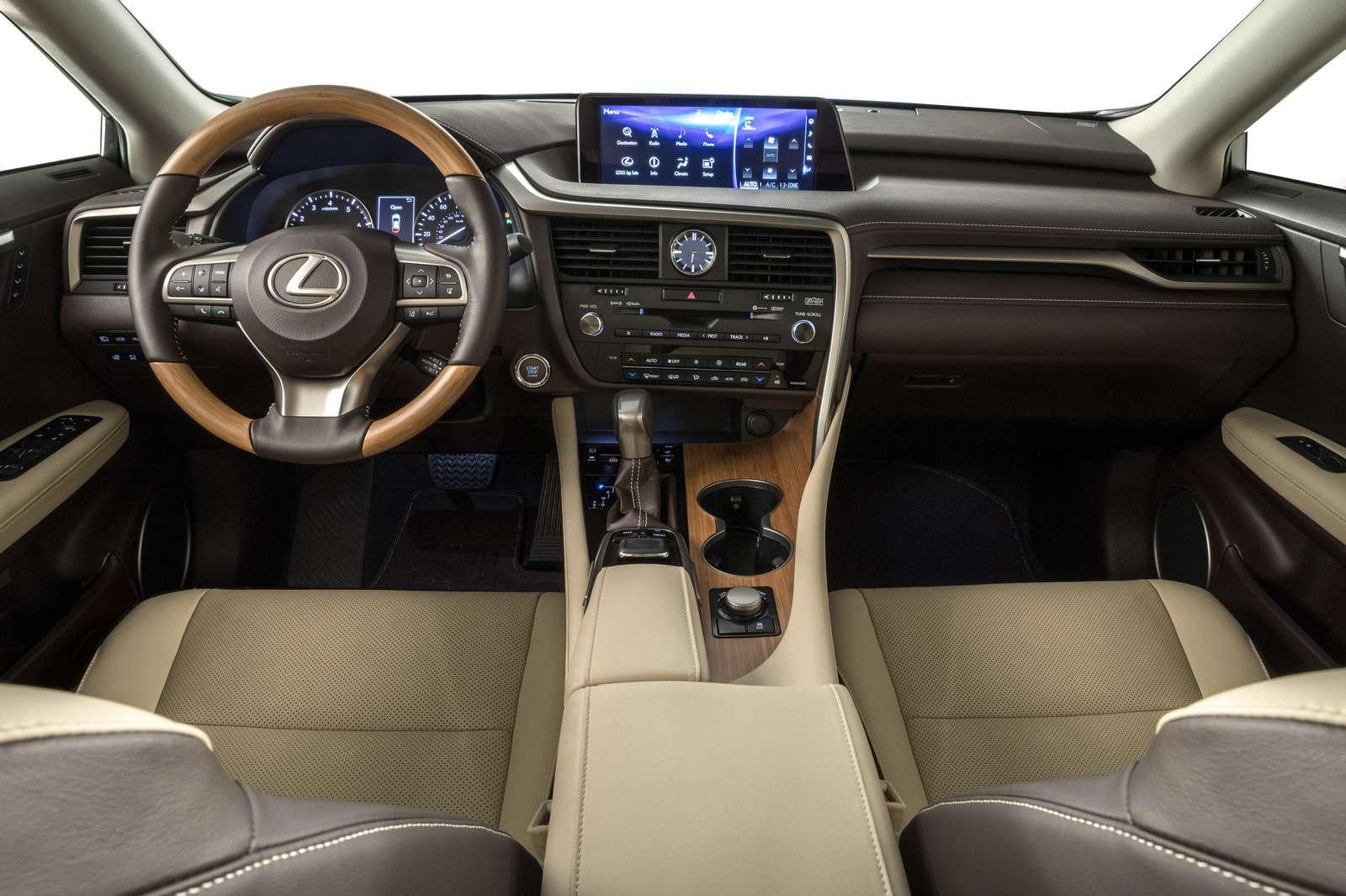 Lexus усадил двоих пассажиров вбагажник RX— фото 821845