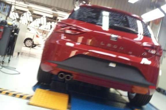 New SEAT Leon rear view