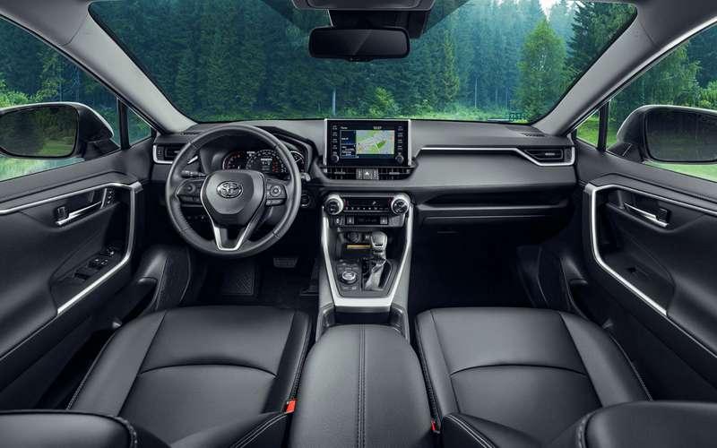 Плюсы иминусы Toyota RAV4— отцен доподсветки
