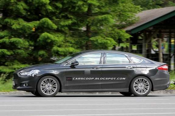 NewEuropean Ford Mondeo test prototype side view