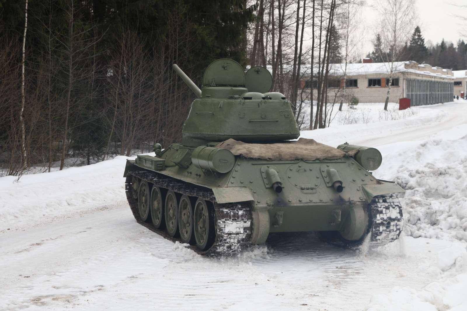 Танк Т-34: огнем иманевром— фото 684017