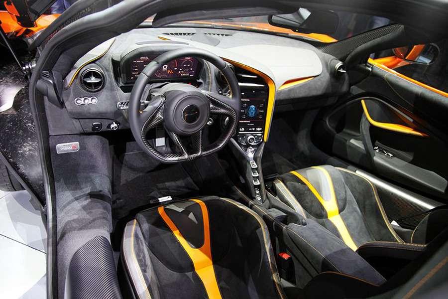 Оглушающая легкость: сюрреализм нового McLaren 720S— фото 718428