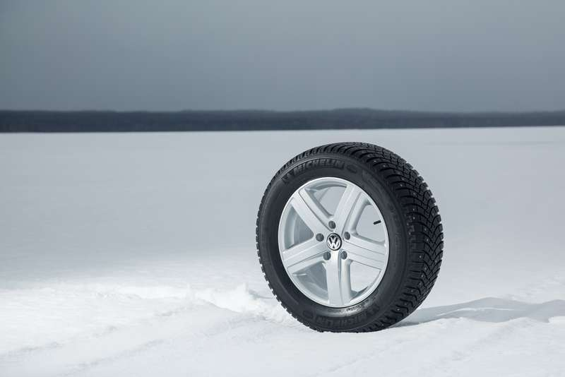 Michelin_Latitude_X_Ice_2_Plus_001