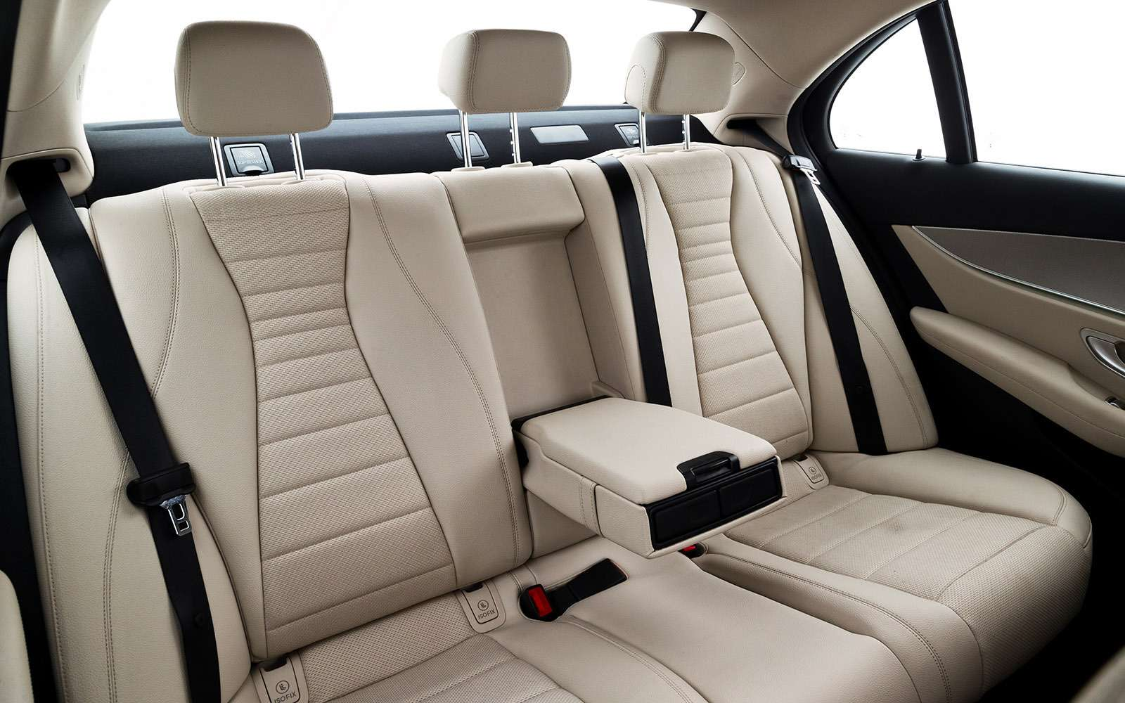BMW5-й серии против конкурентов: кто напять?— фото 743839