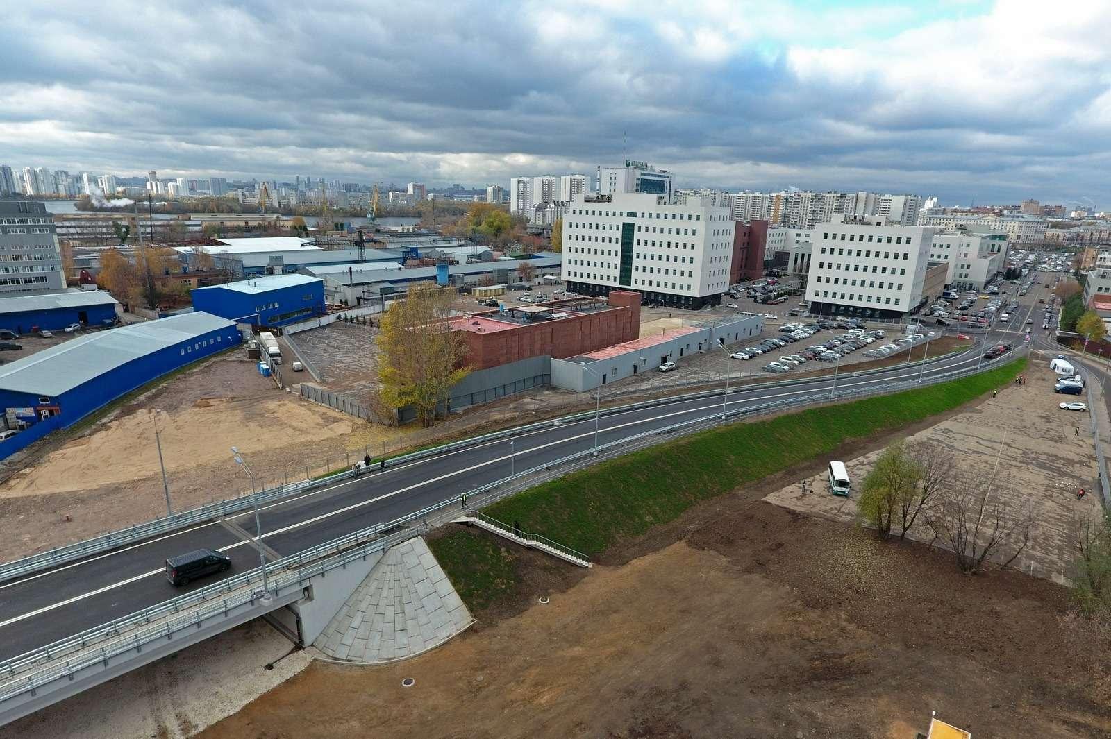 Открыли новый путепровод наюго-востоке Москвы кПечатникам— фото 808113