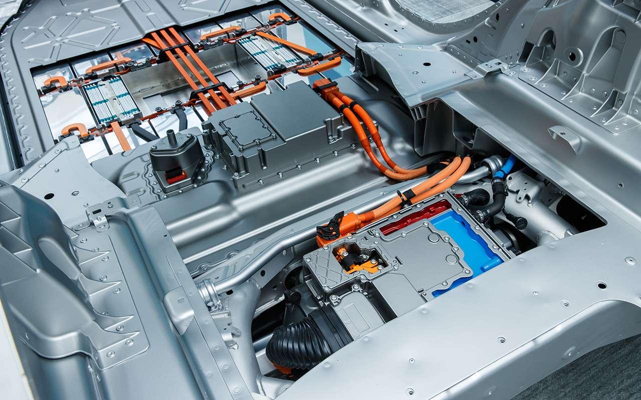 Jaguar I-Pace: никакого топлива, только электричество!— фото 876980