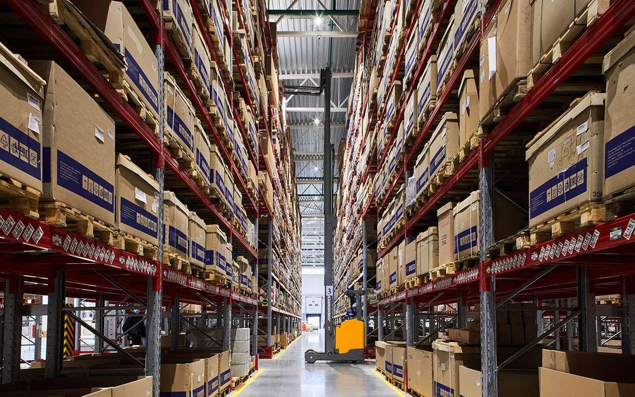 Запчасти ждать непридется: открыли региональный склад Lada— фото 1253222