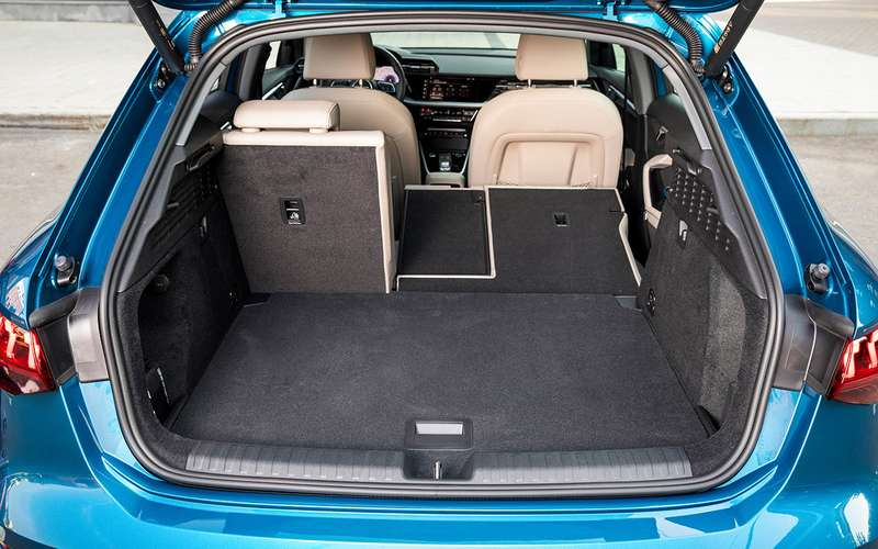 Новый Audi A3: вам седан или Sportback?