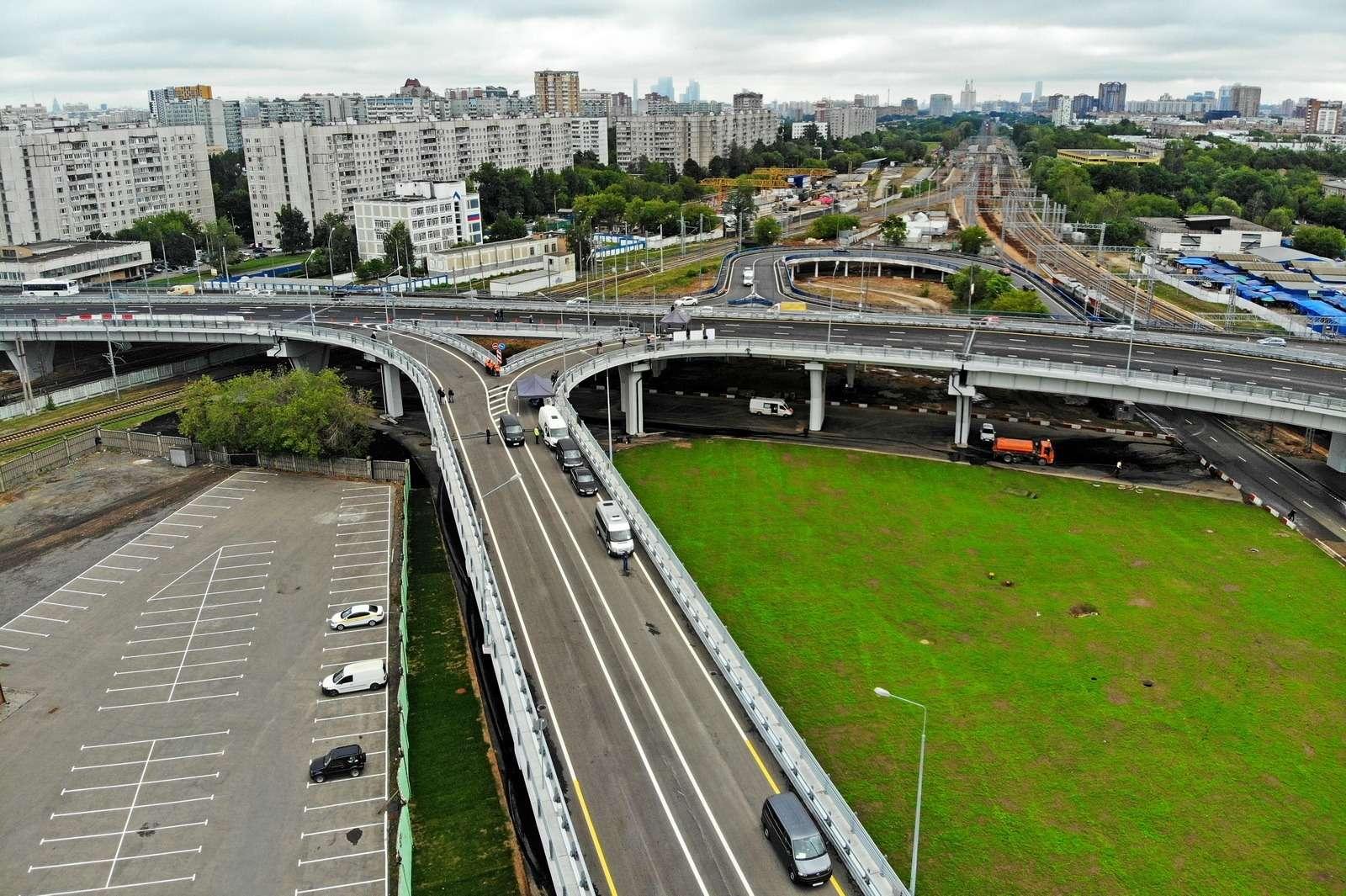 В Москве открылось движение подвум эстакадам Северо-Западной хорды— фото 885471