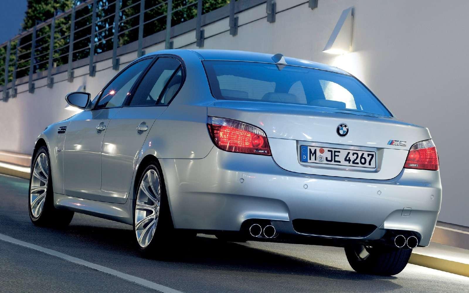 BMWM5не прощается, ноговорит досвидания— фото 611099