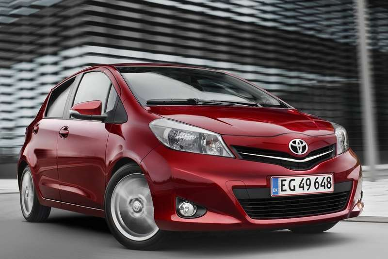 Toyota-Yaris_2012_1600x1200_wallpaper_01_no_copyright