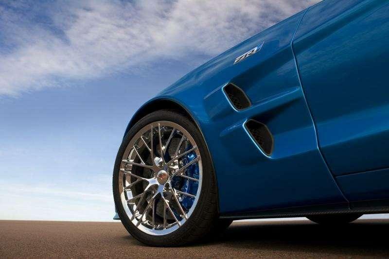 Chevrolet Corvette ZR-1на трассе Нюрбургринга: 7:26.4на круг— фото 348845