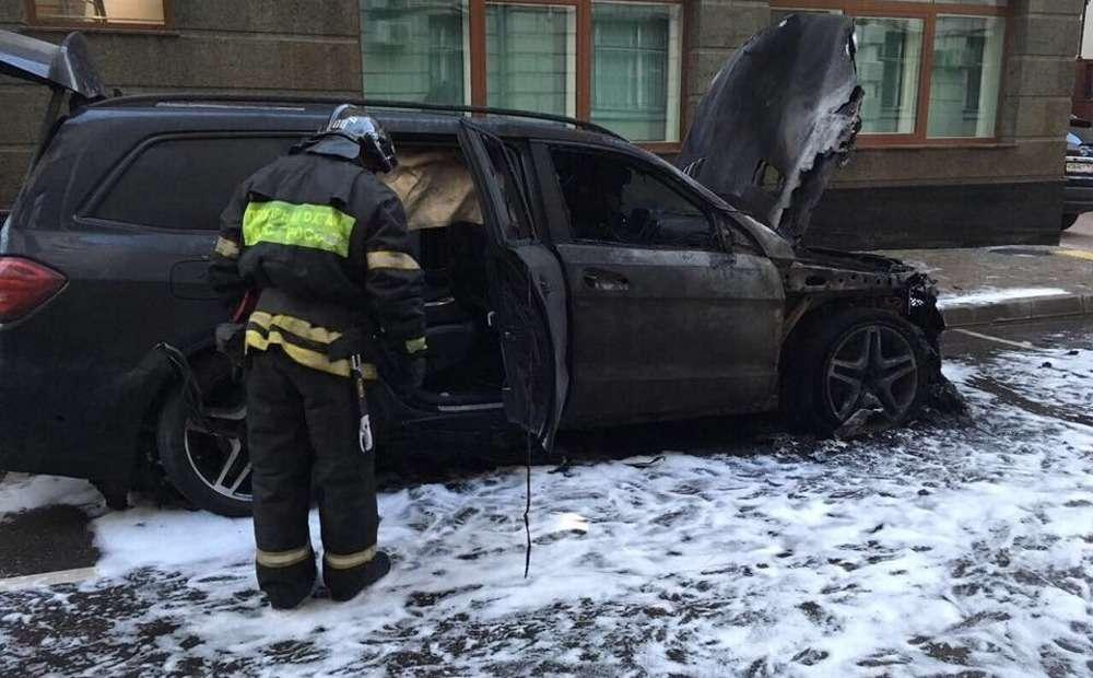 «Поклонники» фильма «Матильда» начали поджигать автомобили— фото 793221