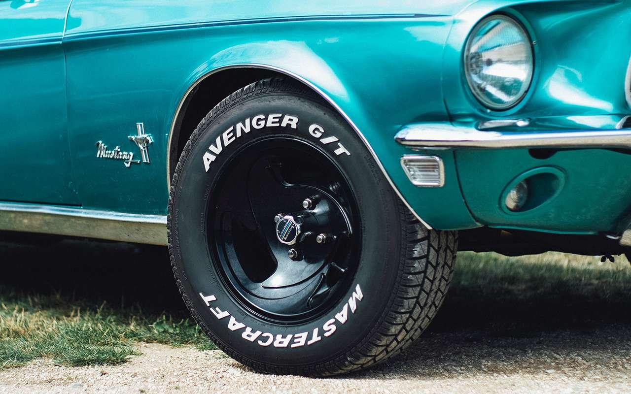 Чуть более крупные по наружному диаметру, чем родные шины позволяют сделать все передачи в коробке более «длинными».