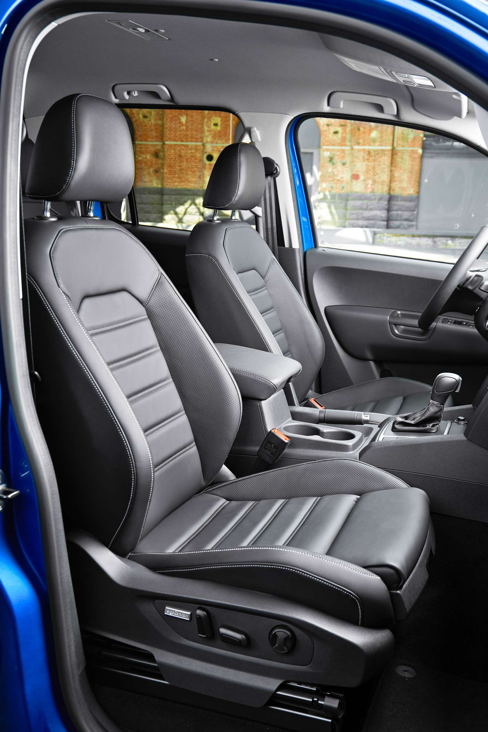 Volkswagen Amarok V6Aventura: всё включено— фото 616521
