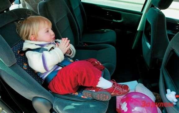 ребенок вдетском кресле