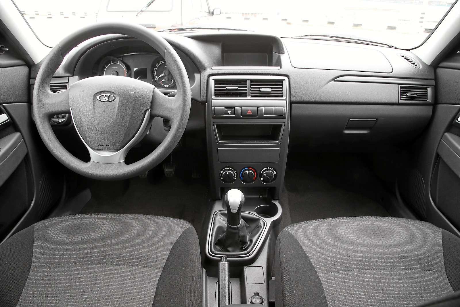 Лада Приора Стандарт: что потерял седан сдоступным ценником— фото 593391
