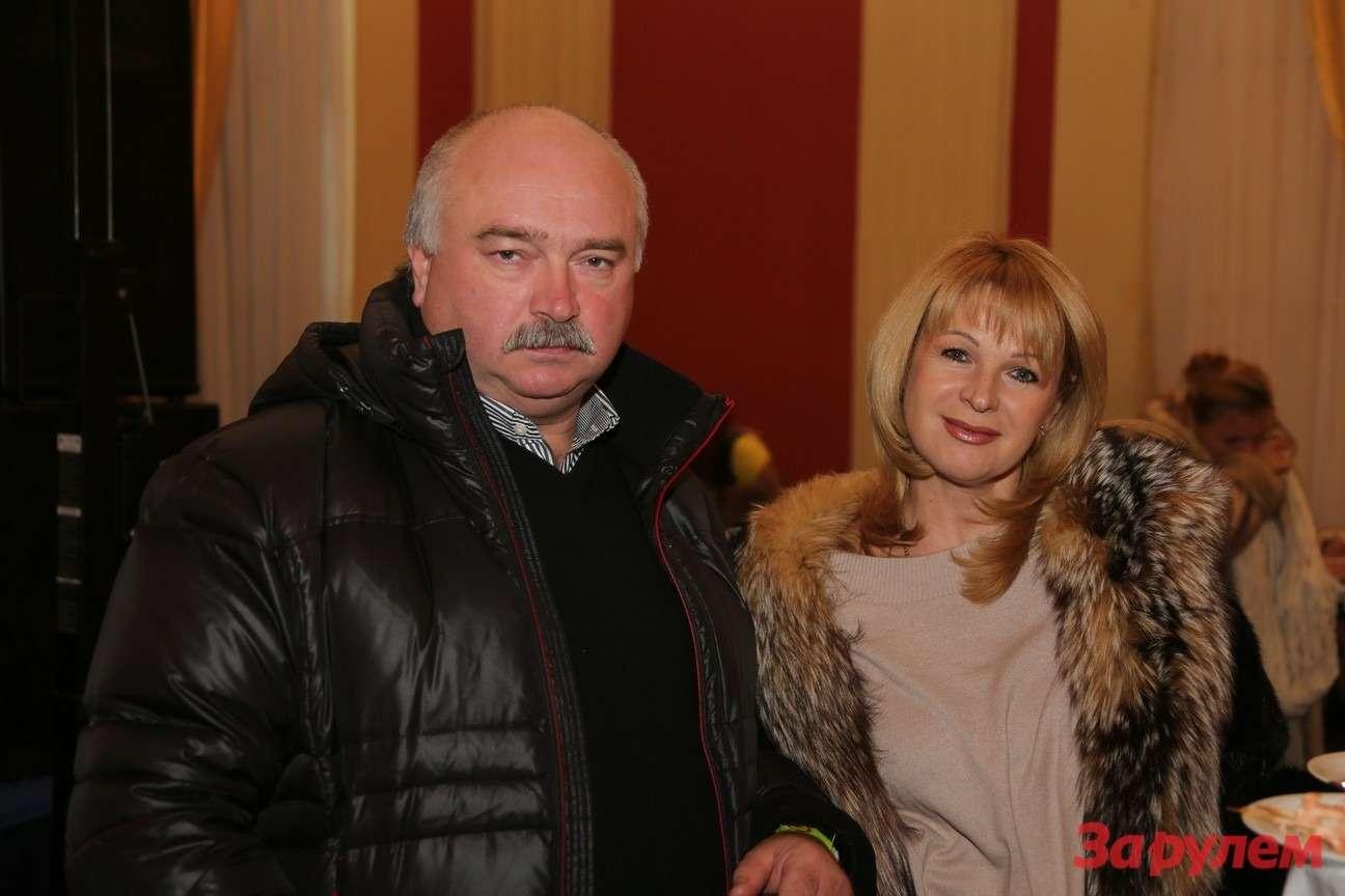 Александр Соколов (компания «СИМ») ссупругой. Гонка Звезд «Зарулем»-2013