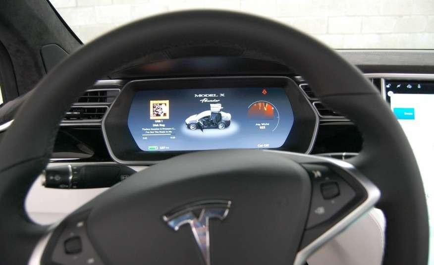 2016-Tesla-Model-X-125-876x535
