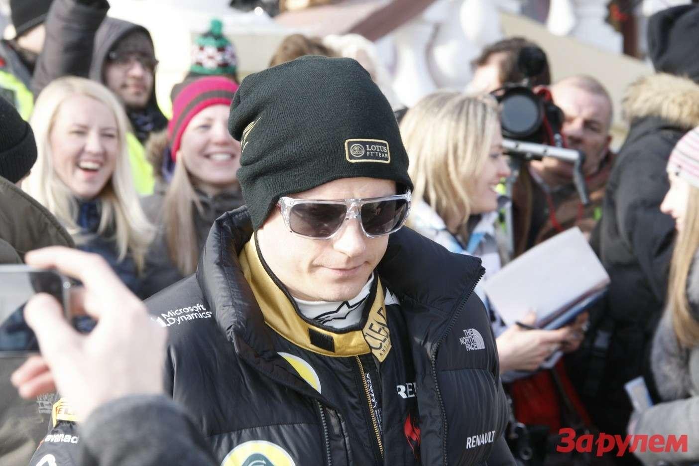 Кими Райкконен (Финляндия, чемпион мира 2007 года в«Формуле 1», пилот команды Lotus F1Team) наГонке Звезд «Зарулем»-2013