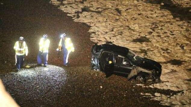 Водитель Ford Focus непострадал после падения с24-метрового обрыва
