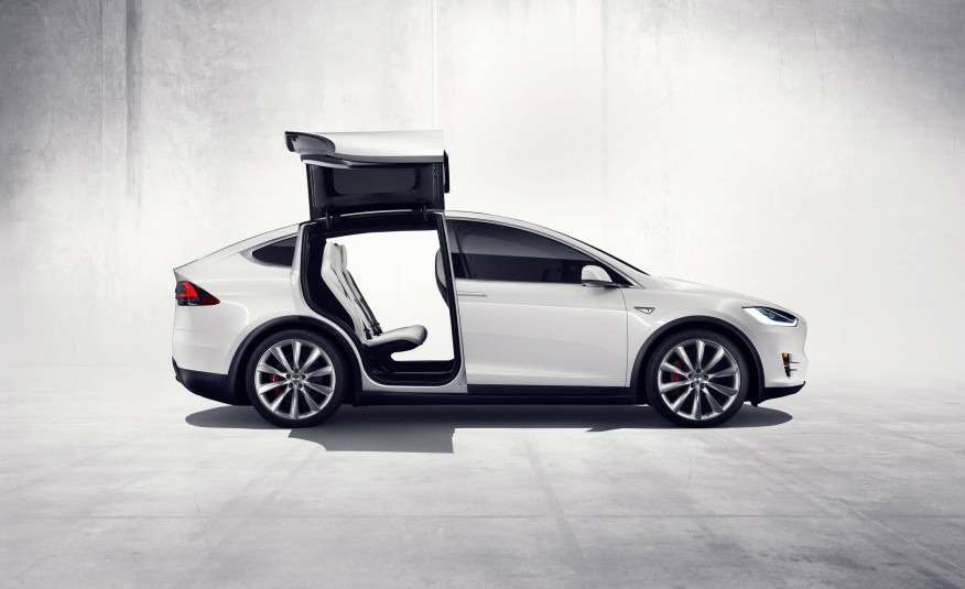 2016-Tesla-Model-X-132-876x535