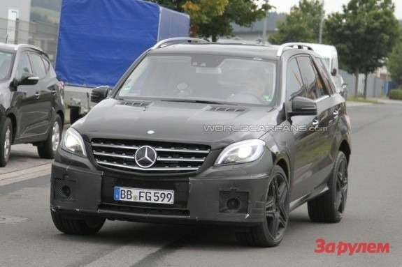Mercedes-Benz ML63AMG Performance Package front view