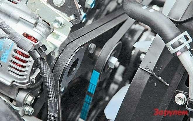 Привод генератора иводяного насоса  двумя клиновыми ремнями