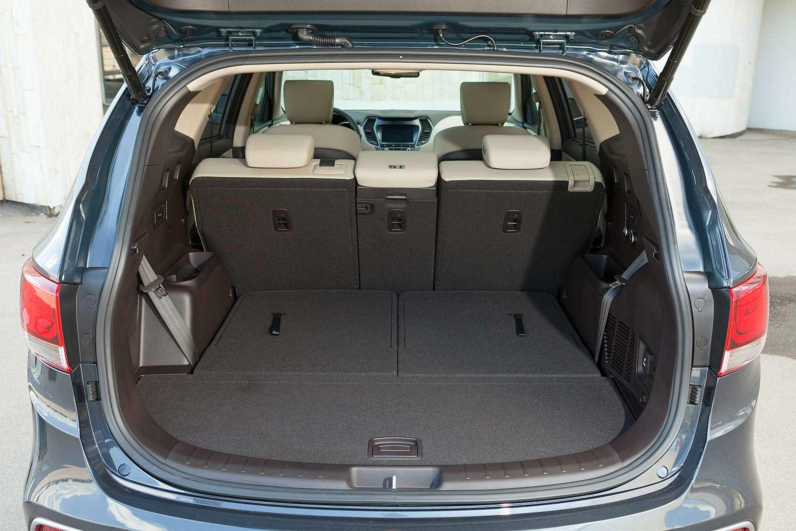 Обновленный Hyundai Grand Santa Fe: первый российский тест-драйв— фото 593806