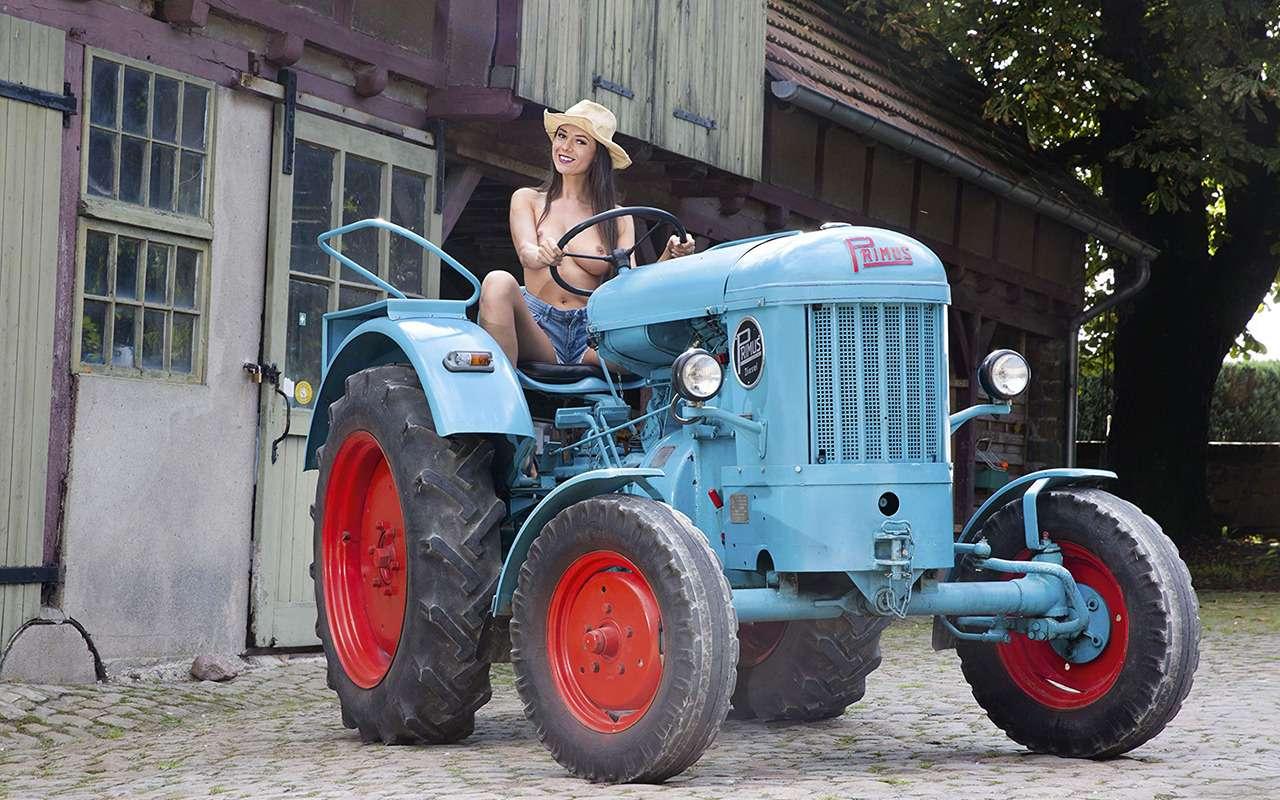 Прелестницы исельхозтехника: задорный календарь на2019год