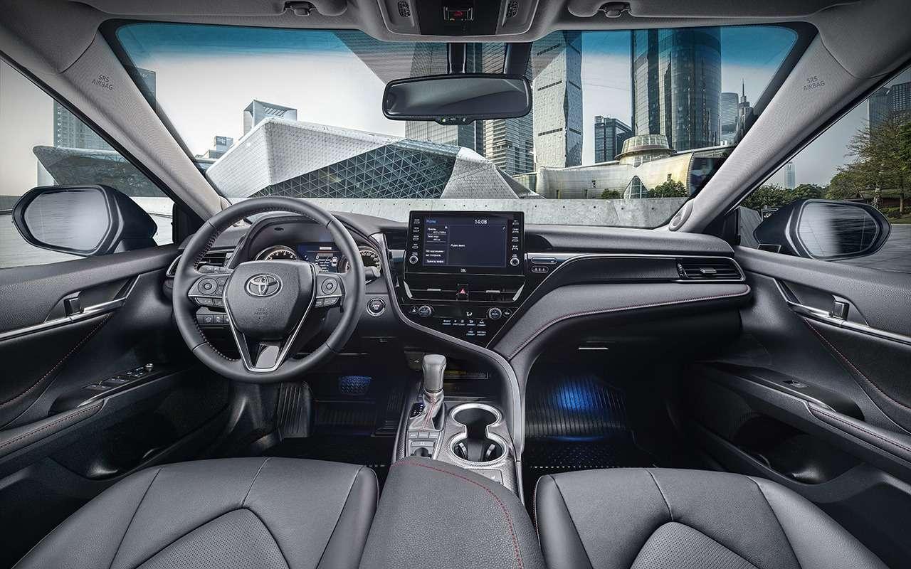 Toyota Camry: два новых мотора иодна большая утрата— фото 1242905