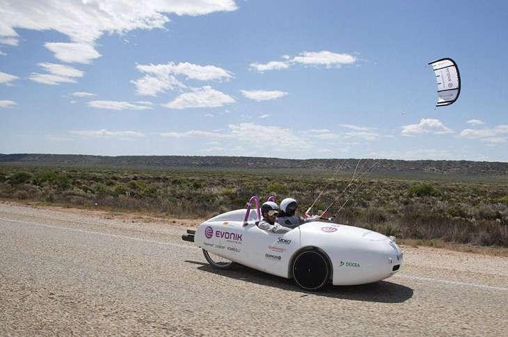 Ветромобиль пересек Австралию без капли горючего
