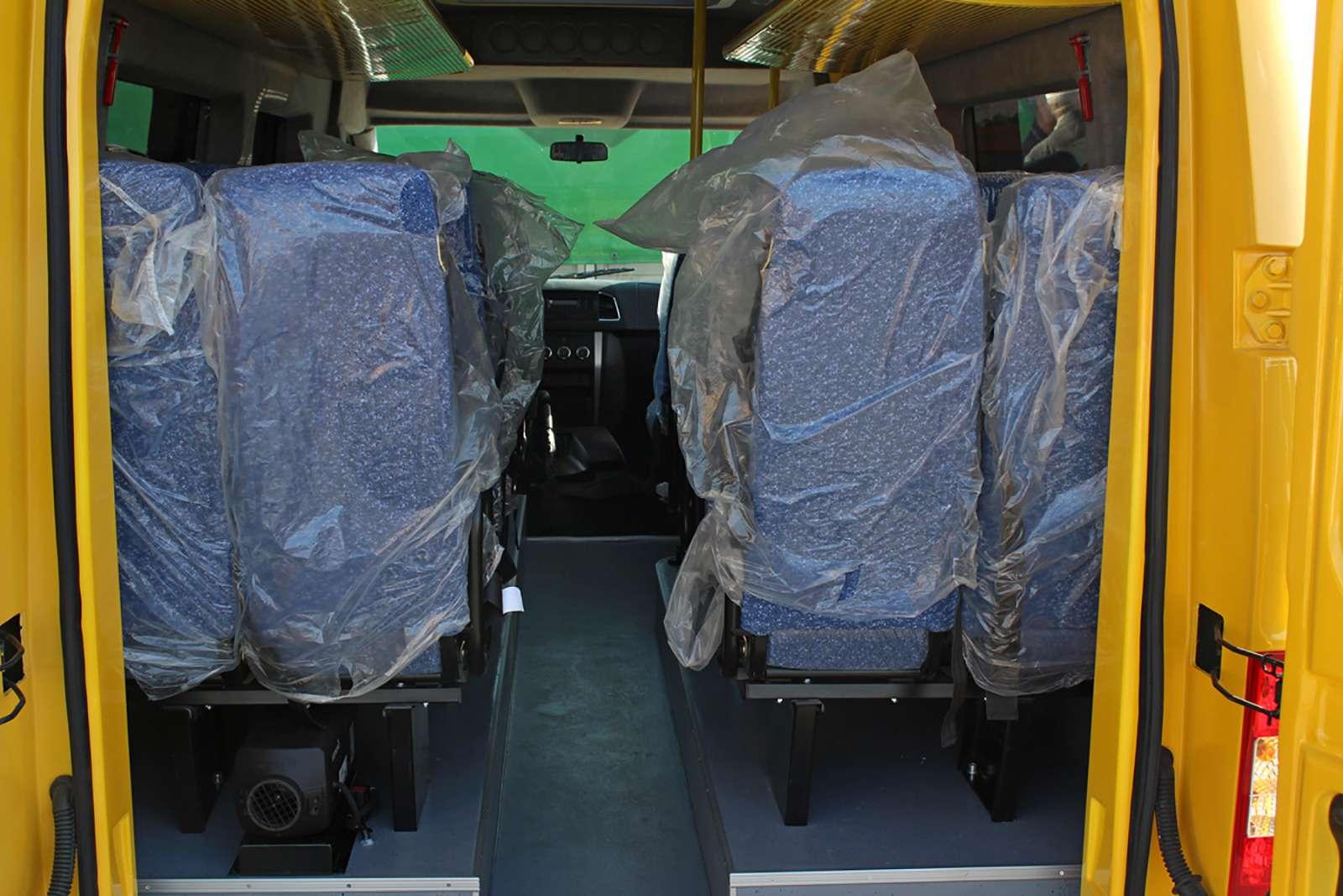 УАЗсделал замену «буханке». Первые фото нового микроавтобуса— фото 797286
