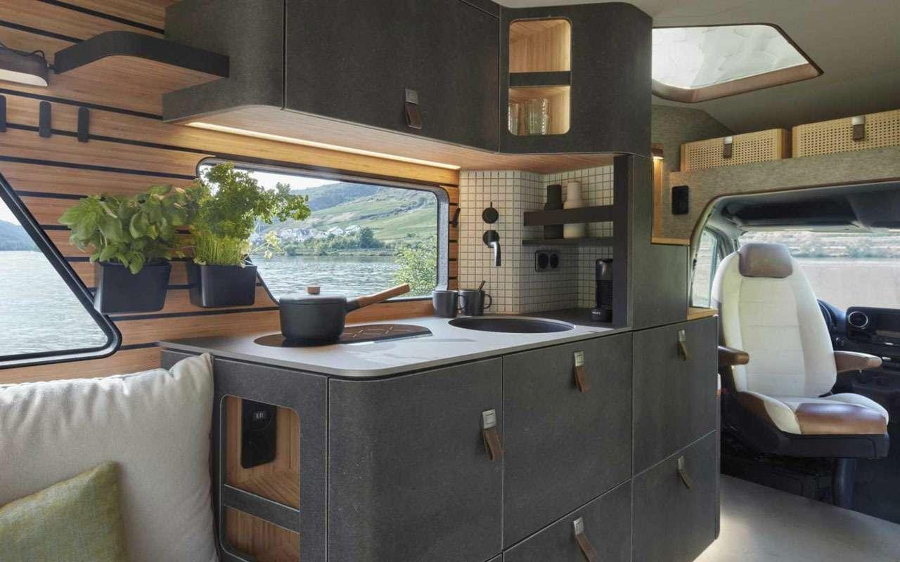 Кровать подкрышей ипанорамные окна— вот автодом будущего— фото 995110