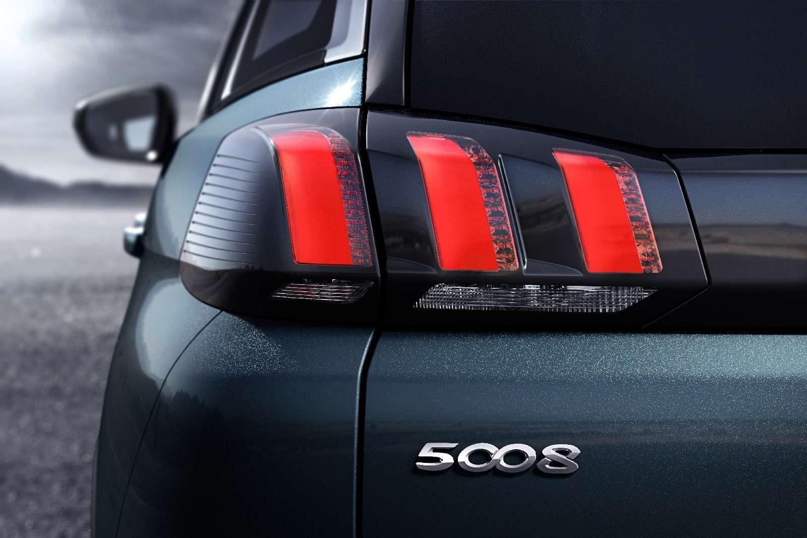 Завышенная самооценка: Peugeot 5008 превратился вкроссовер— фото 631359