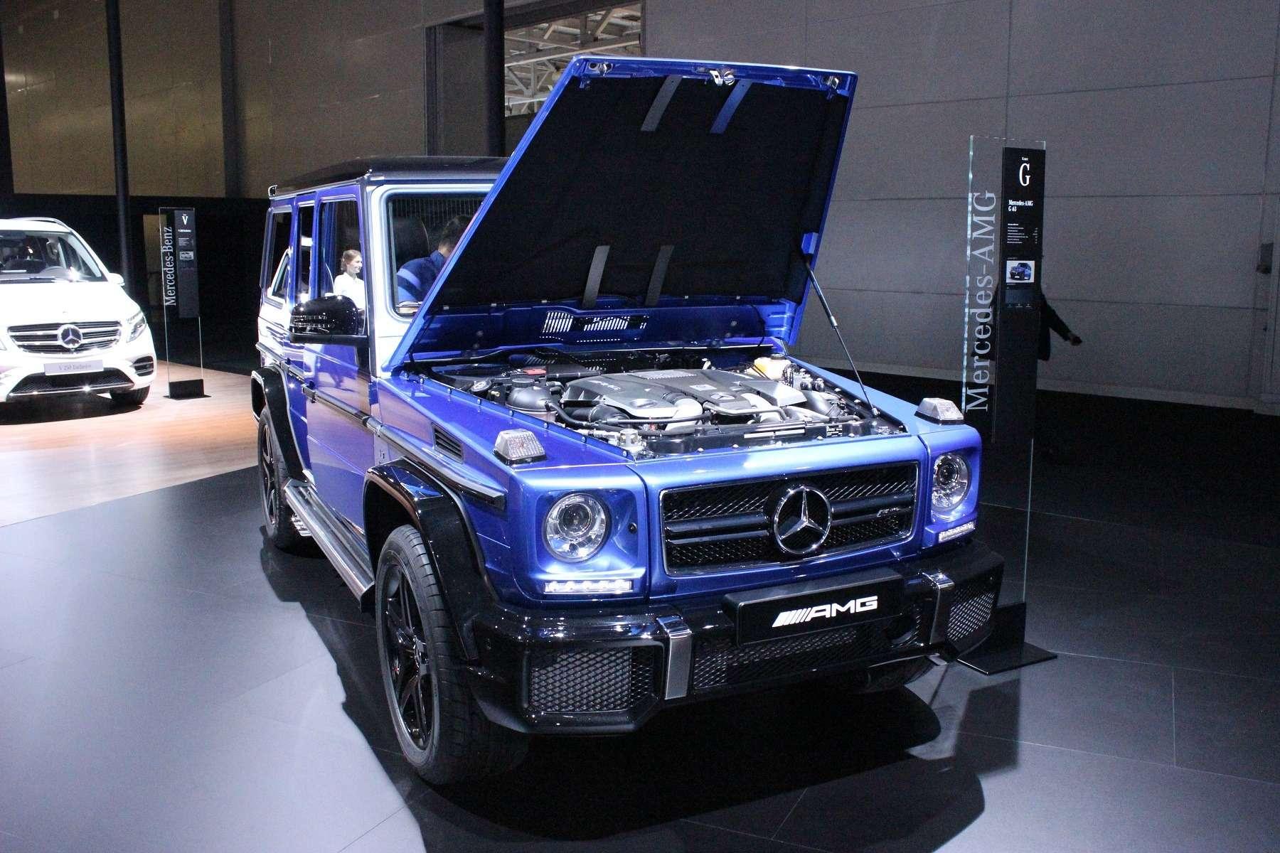Стенд или шоу-рум: Mercedes-Benz E-класса ивсе-все— фото 624489